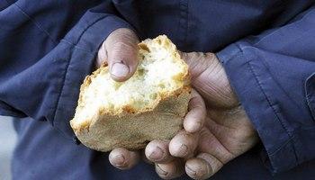 Povertà: 2,7 milioni di italiani chiedono aiuto per il cibo