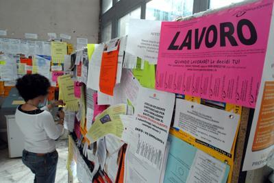 I giovani continuano a fuggire dall'Italia