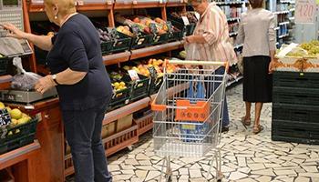 Consumi, in 10 anni crollati di 21,5 miliardi