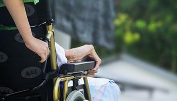 La strage silenziosa degli anziani nelle rsa. Msf avvia progetto di supporto