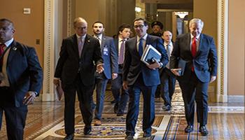 La Casa Bianca, il Senato raggiungono lo storico accordo di soccorso con coronavirus da 2 $