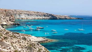 Mare cristallino e biodiversità, da Panarea alla Maddalena: ecco le 27 isole al top