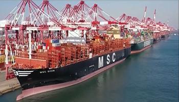 Cina, il Covid frena il commercio internazionale