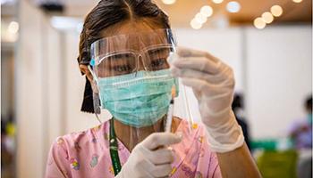 Il presidente Biden promette 500 milioni di dosi di vaccino in più al mondo in via di sviluppo