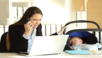 Maternità e lavoro non vanno d'accordo. L'Italia ha un problema