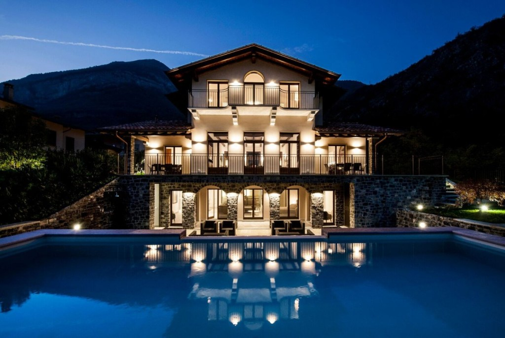 lake como holiday villa