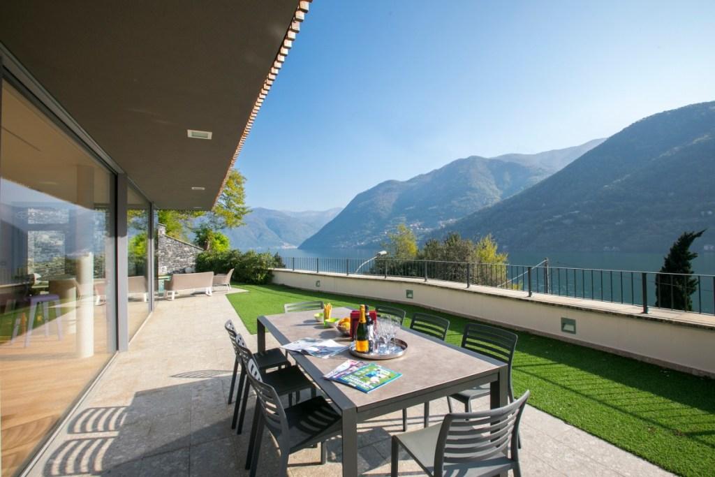 holiday villa laglio