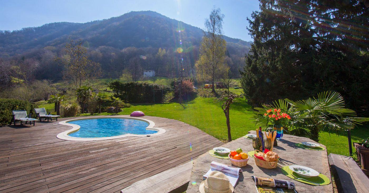 holiday villa mountainside lake como