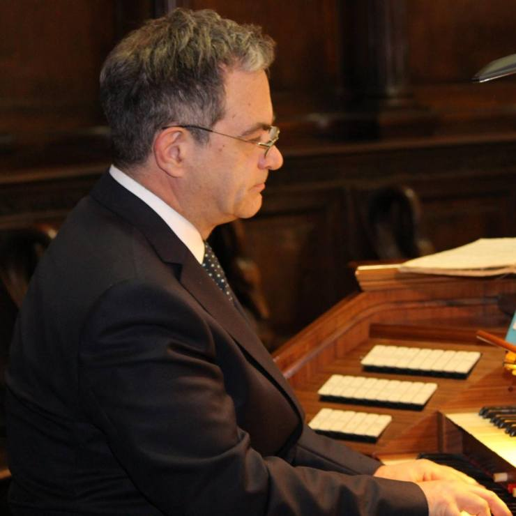 Luca Bianchini suona l'organo