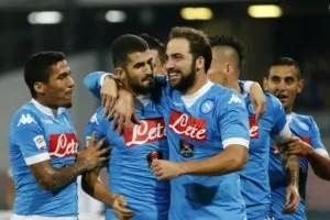 Abbracci Napoli