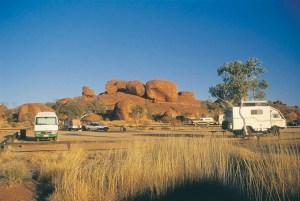 I Devil's Marbles, imponenti rocce nel deserto.