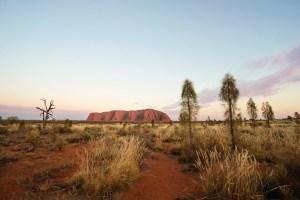Le cupole rosse di Uluru, simbolo dell'Australia.