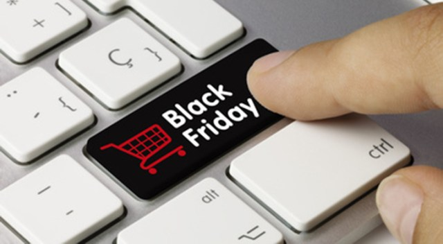 Black Friday Venerdì nero dello shopping on line