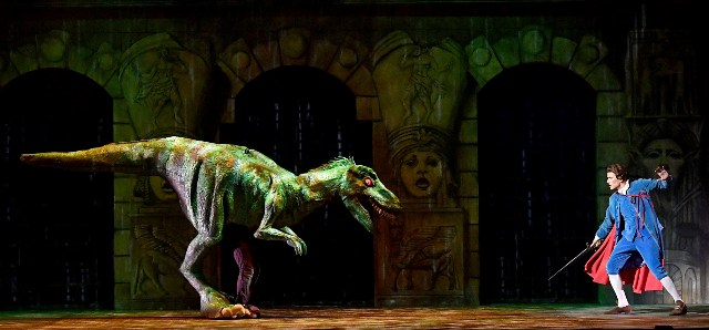 Una scena del Flauto magico, andato in scena a Livorno al Teatro Goldoni (ph. Augusto Bizzi).