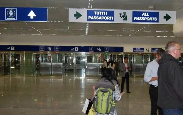 Foreign fighters europarlamento controlli passaporti