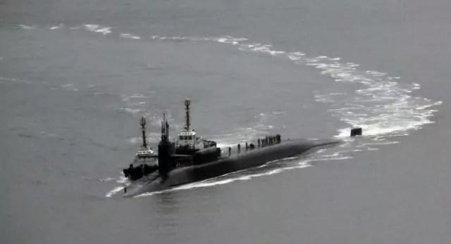 Crisi della Corea del Nord, il sottomarino Usa Uss Michigan arriva nella base di Busan, in Corea del Sud, il 25 aprile 2017 (ph. Cho Jueong-ho/Yonhap).