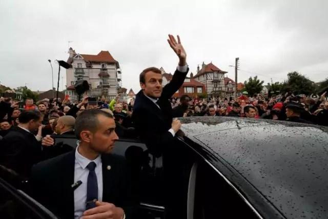 Macron louvre