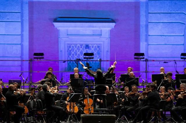 Un'estate da Re alla Reggia di Caserta, che martedì sera ha ospitato il Venice concert di Ezio Bosso con l'Orchestra del San Carlo (ph. In24/Massimo Solimene).
