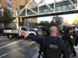 New York, un uomo lancia un furgone sulla folla il 31 ottobre 2017. (ph. Martin Speechley/NYPD).