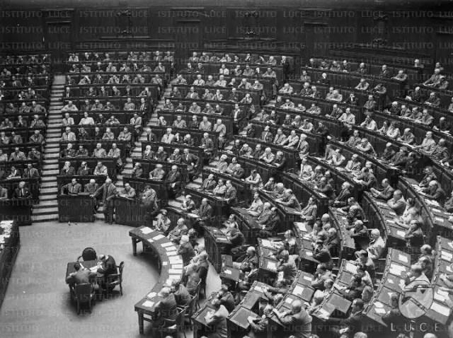 L'Assemblea Costituente (ph. Archivi Senato).