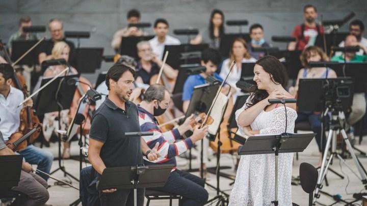 Sonya Yoncheva e Francesco Demuro alle prove de La Traviata in programma al Maggio musicale Fiorentino domenica 18 luglio 2020 (ph. Michele Monasta).