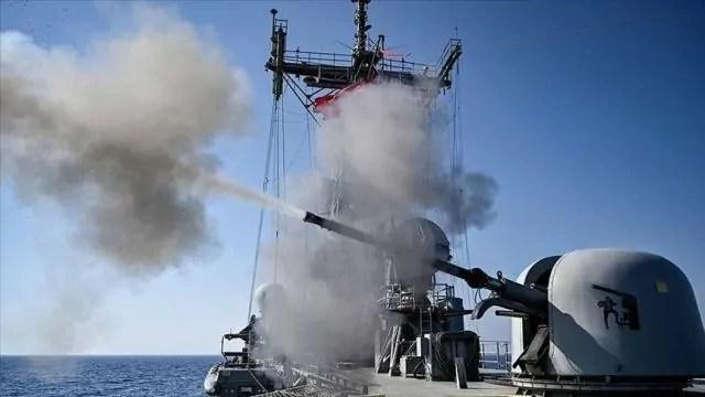 Turchia, esercitazione navale della fregata TCG GEDIZ nel Mediterraneo orientale il 17 Settembre 2020 (ph. Anadolu).