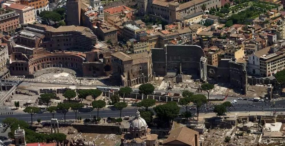 Veduta aerea dei Fori Imperiali (Ph. Musei in Comune).