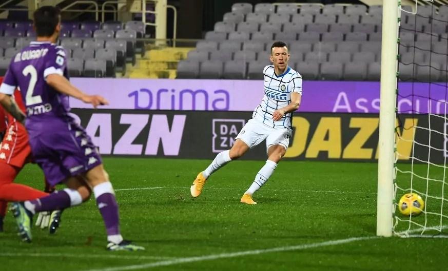 Fiorentina-Inter: Barella e Perisic portano l'Inter in vetta.