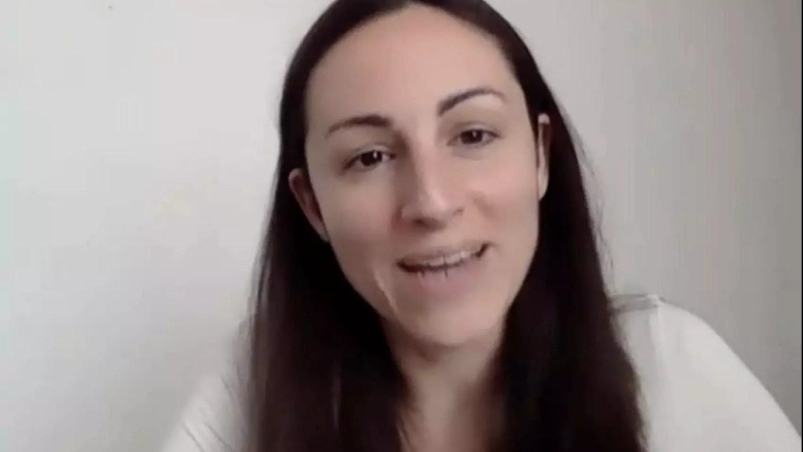 Chiacchierata con Eleonora Evi, parlamentare europea che ha lasciato i 5 stelle e parla di ambiente, energia e benessere animale con un nuovo format video su Facebook.