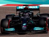 Hamilton in pista durante il GP Bahrein 2921.