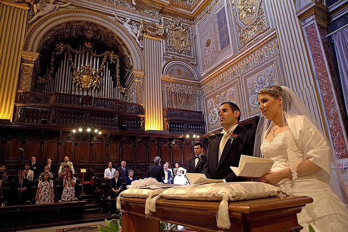 02_st-Peter-Cathedral-wedding-Rome