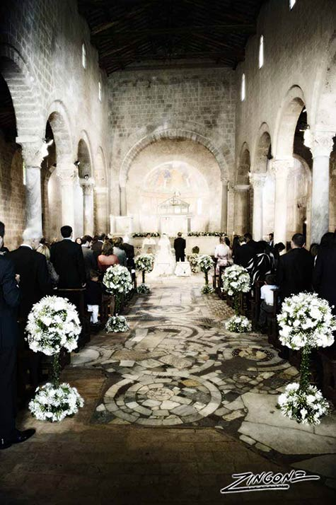 01_Roman-countryside-wedding