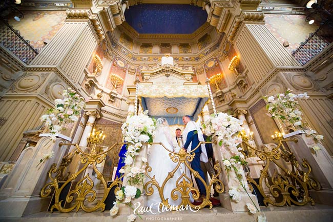 Jewish wedding ceremony at Great Synagogue of Rome