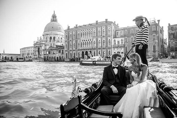 venice-wedding-ceremony-on-gondola