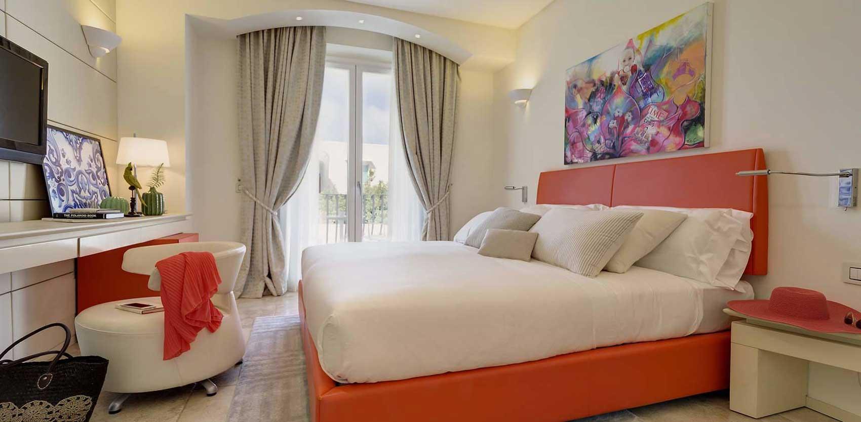Melia Villa Capri, hotel design : chambre Deluxe avec balcon