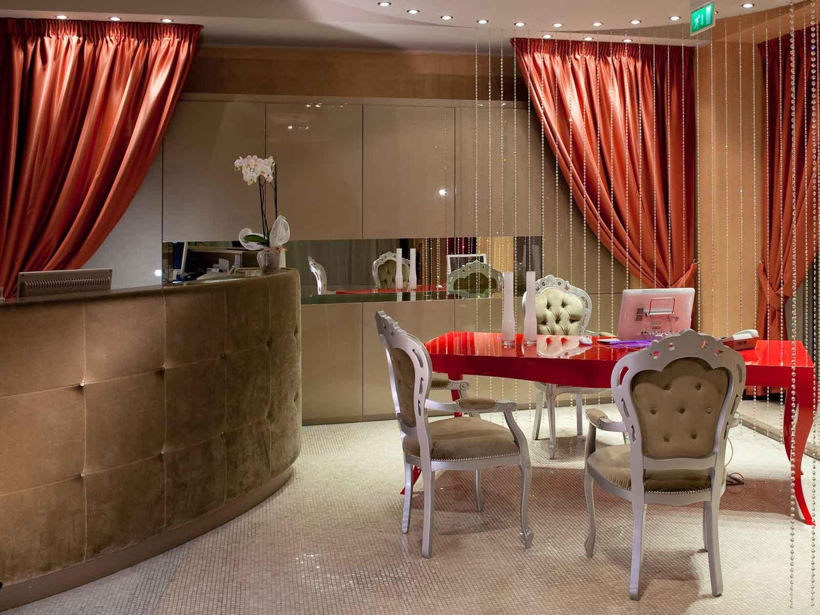 Fiume Hotel 4 étoiles au centre de Rome Italie (réception)