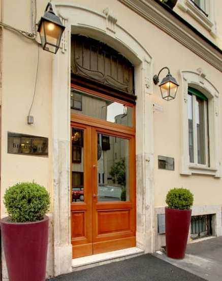 The B Place Hotel Rome Italie (entrée de l'hotel)