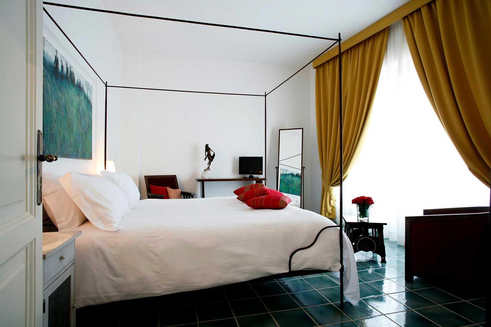 Locanda Delle Donne Monache Maratea : chambre de la suite