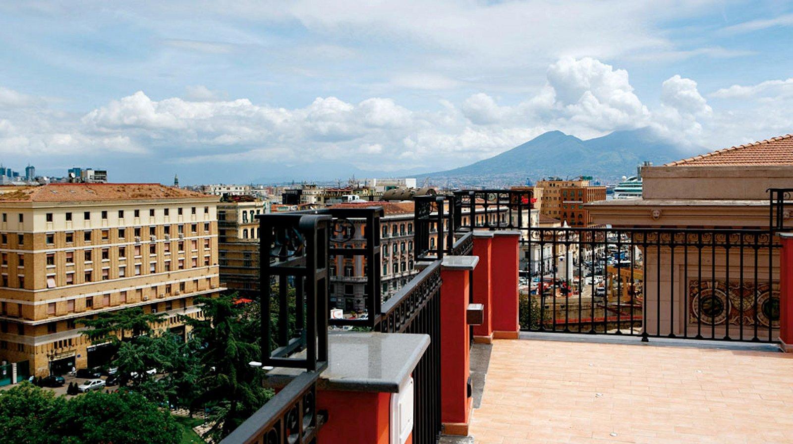 la ciliegina lifestyle hotel naples centre italie hotel 4 toiles naples. Black Bedroom Furniture Sets. Home Design Ideas