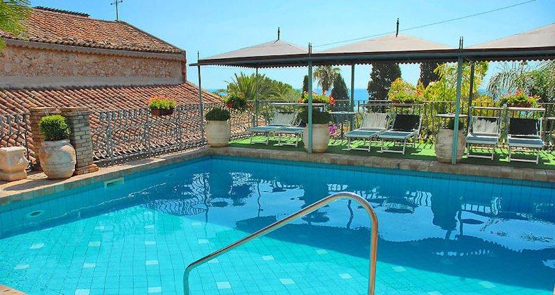 Piscine hotel Villa Carlotta Taormina