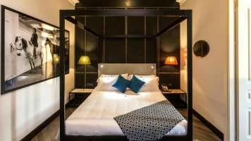 The H'All Tailor Suite Boutique Hotel Rome Italie : Une Suite avec terrasse