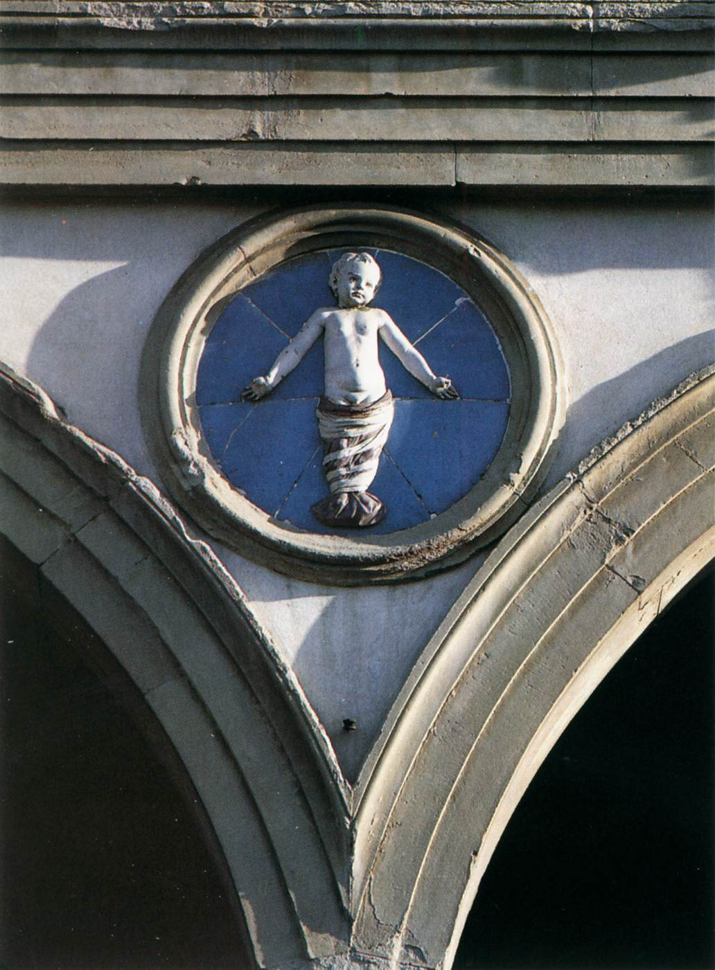 Tondo, Andrea della Robbia, c. 1487, Ospedale degli Innocenti, Florence