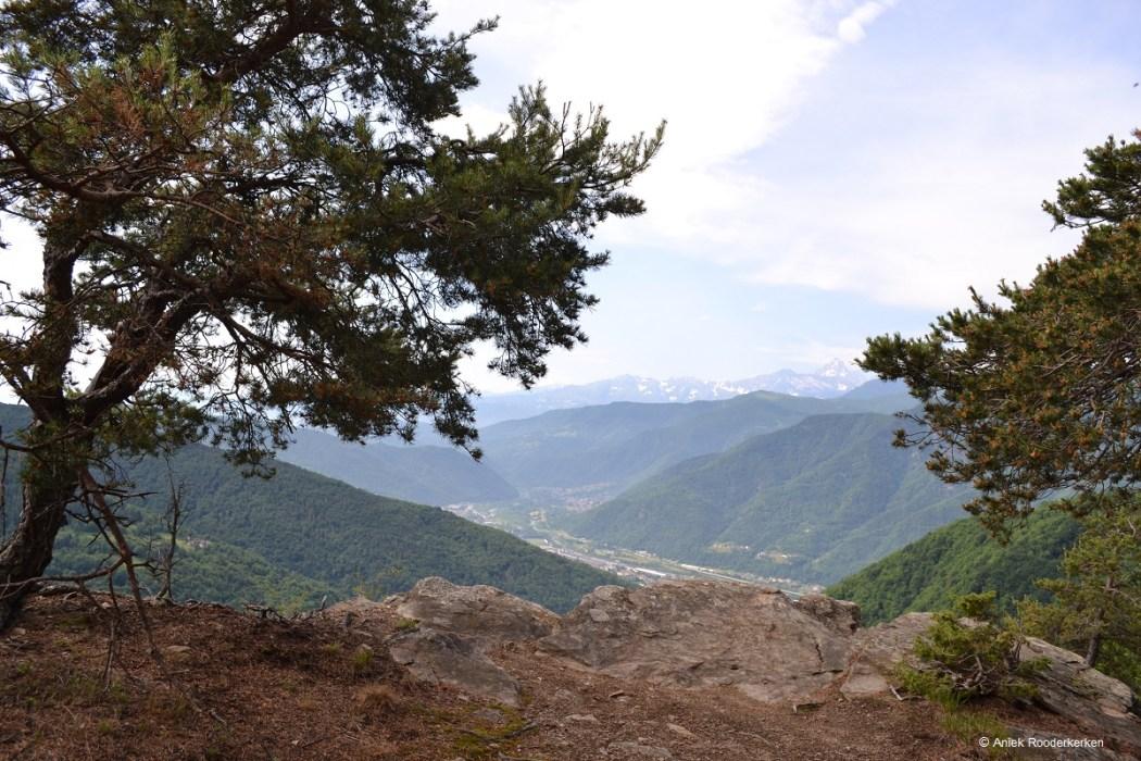 Uitzicht vanaf de weg waaraan Bella Baita ligt