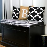 Black White Burlap Decor In Entry