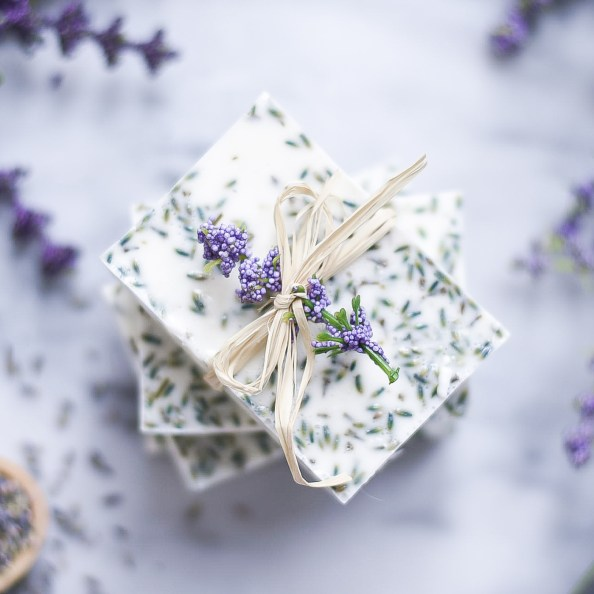 Lavender Soap DIY Recipe - How to make soap at home. Easy soap recipe.