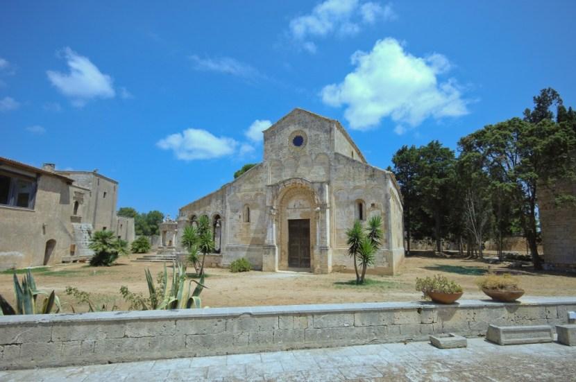 Chiesa di Santa Maria di Cerrate - Esterni
