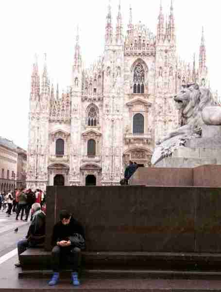 Taking a break near the Milano Duomo