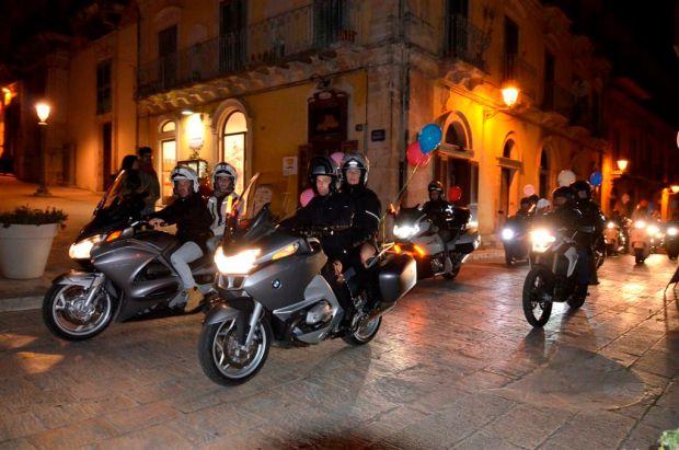 Motofiaccolata 2014 l'arrivo in piazza Duomo