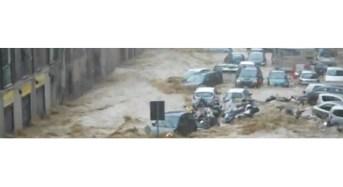 2014: decine di vittime e oltre 10.000 sfollati per frane e inondazioni