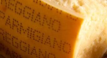 """Scandalo alimentare negli Usa: """"Parmesan"""" il falso made in Italy contiene cellulosa"""